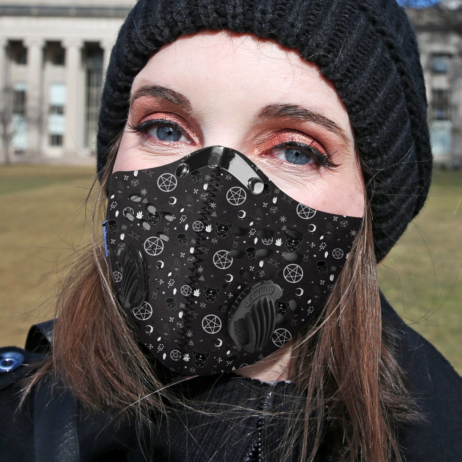 It's witchcraft things carbon pm 2,5 face mask 4
