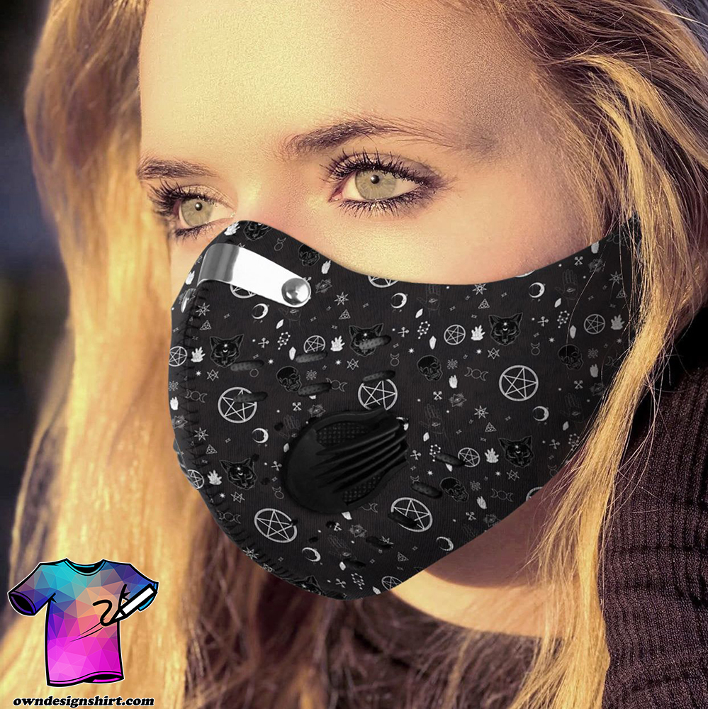 It's witchcraft things carbon pm 2,5 face mask