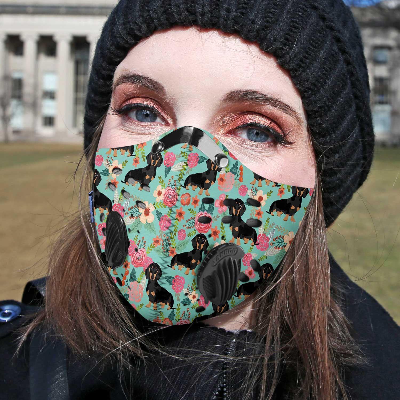 Love dog dachshund carbon pm 2,5 face mask 3