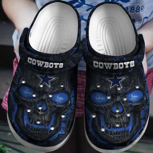 national football league dallas cowboys skull crocband clog 1