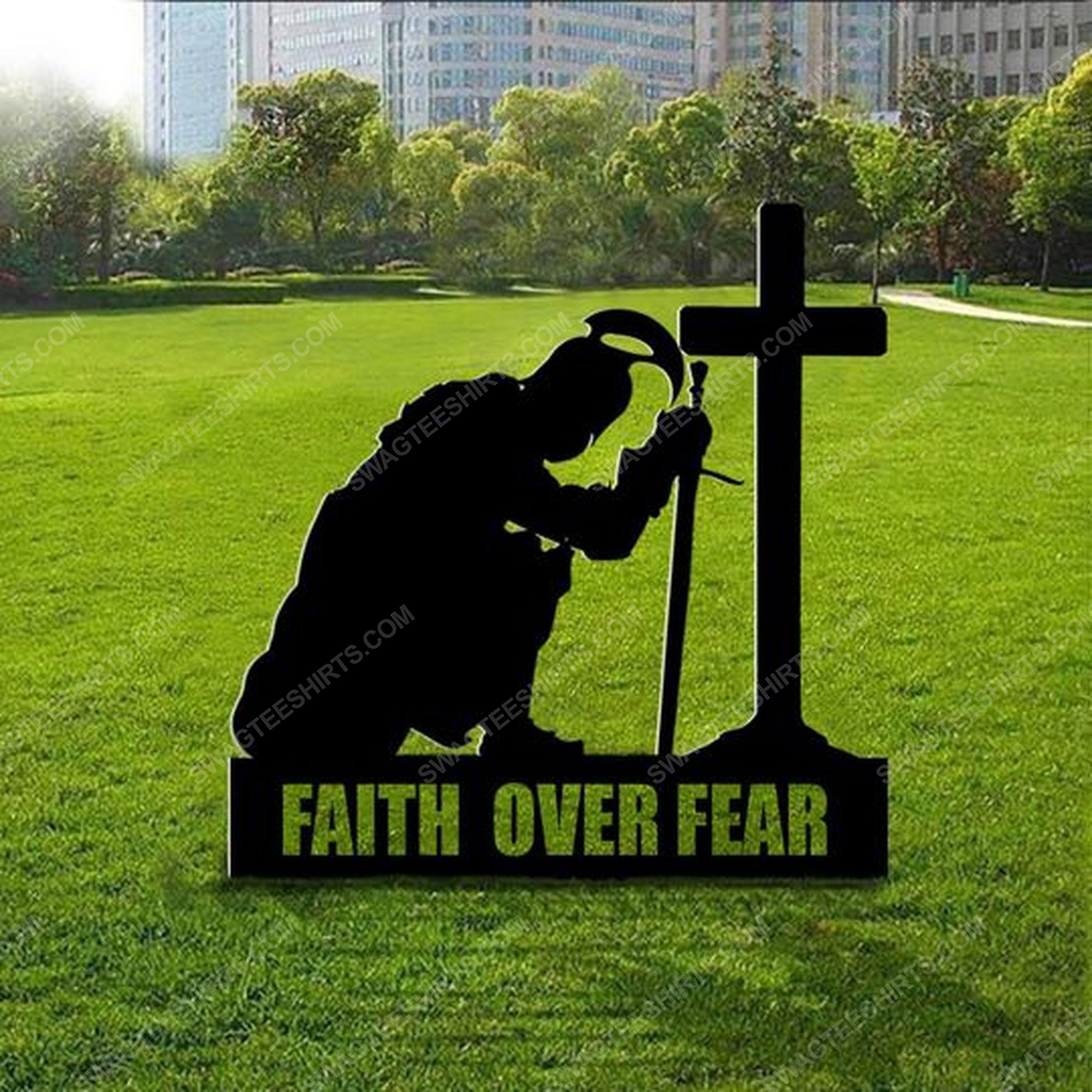 Patriotic christian spartan kneeling cross faith over fear yard sign 2(1)