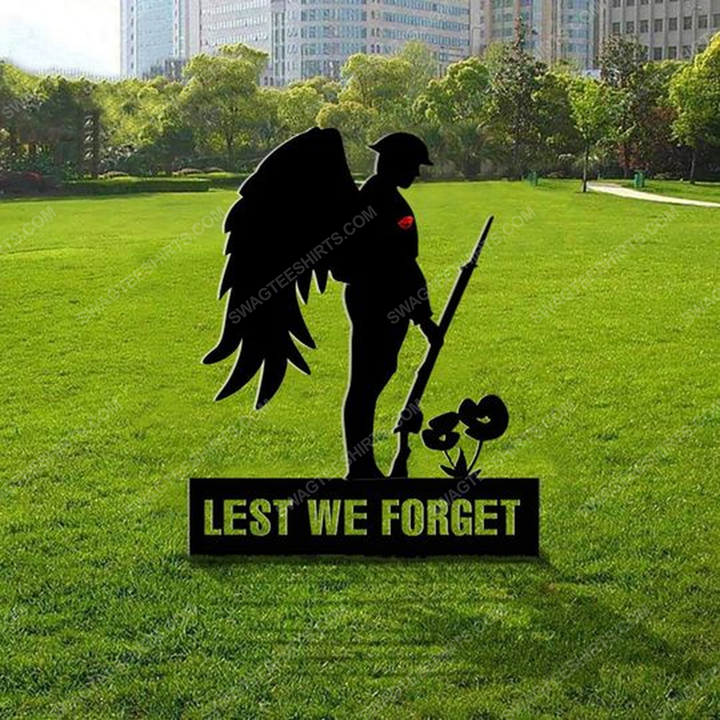 Patriotic remembrance soldiers veteran memorial lest we forget yard sign 2(1)